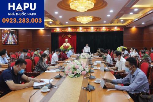 UBND tỉnh Hòa Bình họp khẩn trong ngày 7.5 về trường hợp BN3079 . Ảnh: Báo Hòa Bình